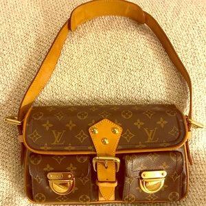 SOLD!! Authentic Louis Vuitton Hudson Handbag